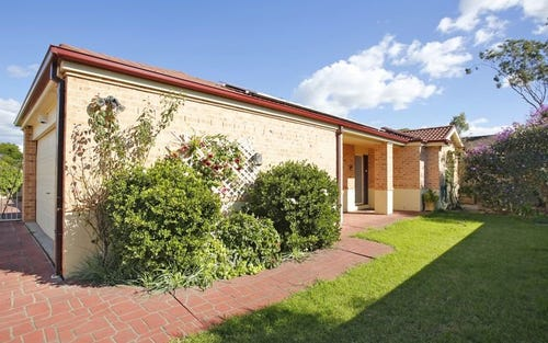 10 Eva Pl, Glenfield NSW 2167