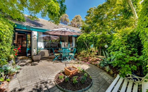 12 Maclachlan Street, Holder ACT 2611