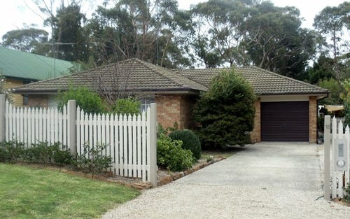 18 St Andrews Ave, Blackheath NSW