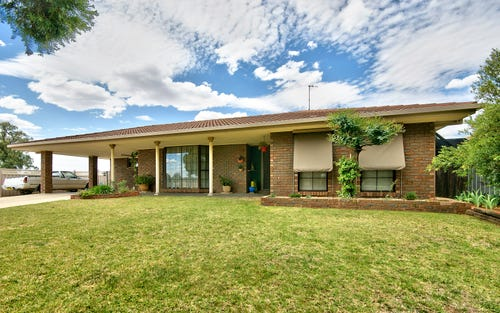 327 Jameson St, Deniliquin NSW 2710