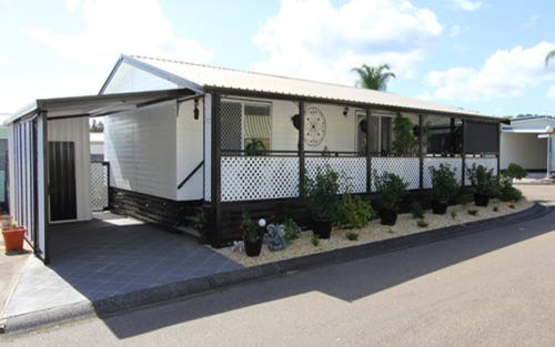 6 Third Ave, Broadlands Estate, Green Point NSW 2251