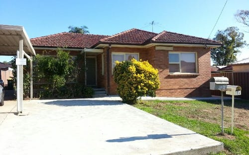 1 Grahame, Glenfield NSW