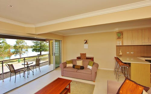 1/605 Ocean Drive, North Haven NSW 2443