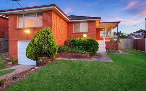 89 oak drive, Georges Hall NSW 2198