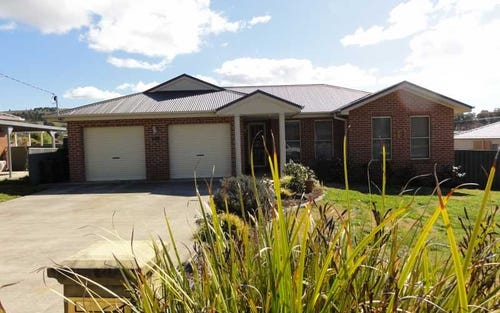 140 West Street, Gundagai NSW 2722