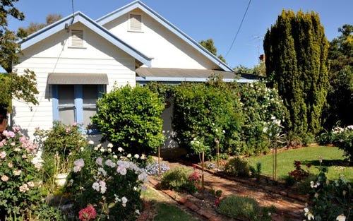 42 Comer Street, Henty NSW 2658