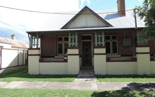 8 Lithgow Street, Goulburn NSW