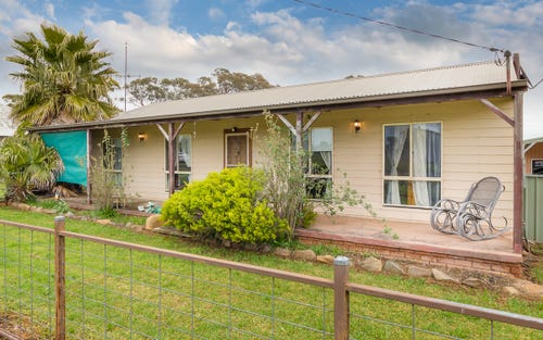 70 Railway Parade, Yeoval NSW 2868