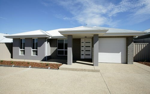 2/34 Stirling Boulevarde, Tatton NSW 2650