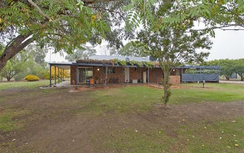 4452 Riverina Hwy, Howlong NSW 2643