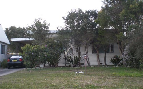 13 Seaman Ave, Warners Bay NSW