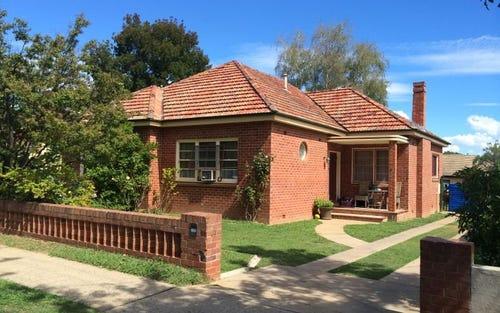 8 Russell St, Bathurst NSW 2795