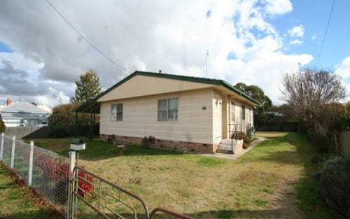122 Logan Street, Tenterfield NSW 2372