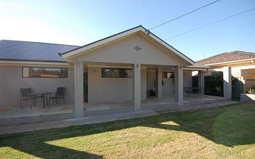 1 Stratford Avenue, Lake Albert NSW 2650