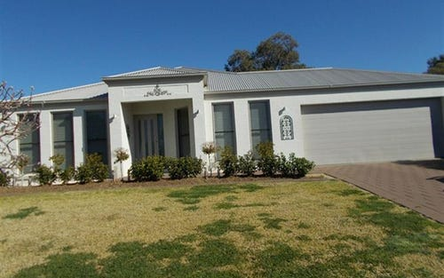 38 Cypress Point Dr, Dubbo NSW