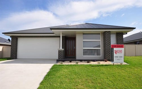 21 Clem McFawn Pl, Bletchington NSW 2800