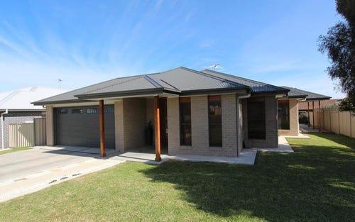 33 Sapphire Street, Inverell NSW 2360