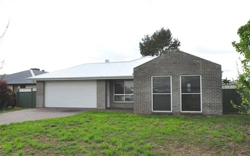 34 Dunheved Cir, Eulomogo NSW 2830
