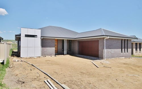 35 Amber Close, Bathurst NSW 2795