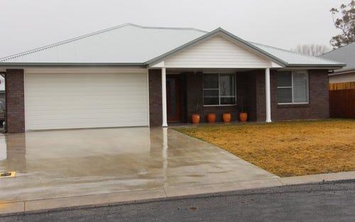 26 Claret Ash Drive, Guyra NSW 2365