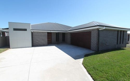 35 Amber Close, Kelso NSW 2795