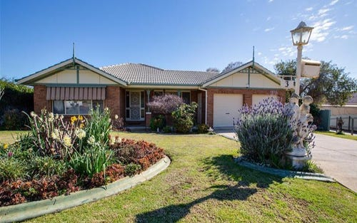 3 Tubbo Place, Bourkelands NSW 2650