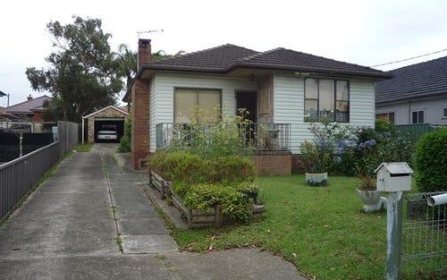 29 Hebe St, Greenacre NSW 2190