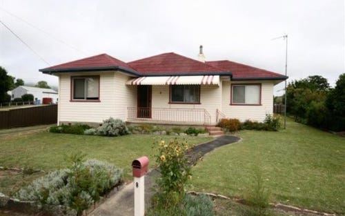 8 Duncan Street, Tenterfield NSW 2372