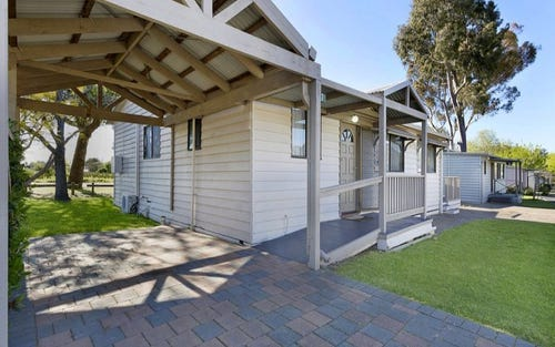 7 Spotted Gum Drive, Lake Hume Resort, Albury NSW 2640
