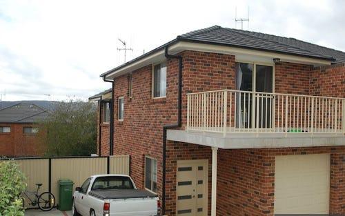 2/13 Cassidy Street, Queanbeyan West NSW 2620