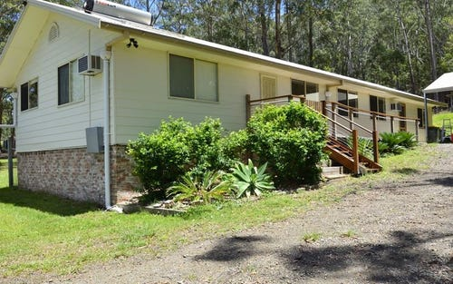 115 Neville Morton Drive, Crescent Head NSW 2440