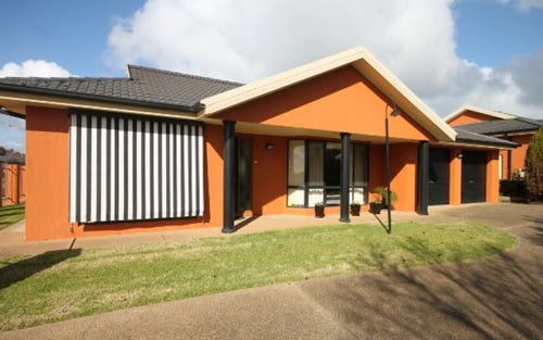 1/18 Hargrave Avenue, Lloyd NSW 2650