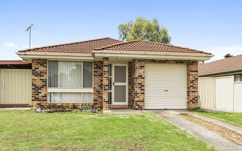 33 Falcon Circuit, Green Valley NSW 2168
