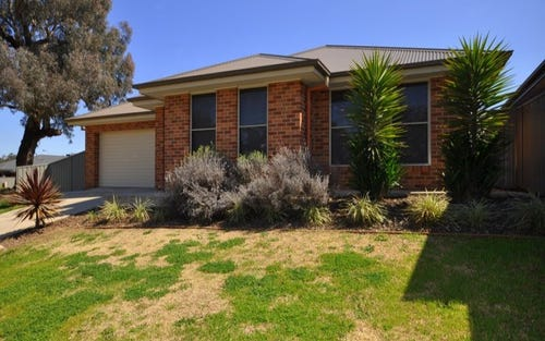 79 Oxford Drive, Thurgoona NSW 2640