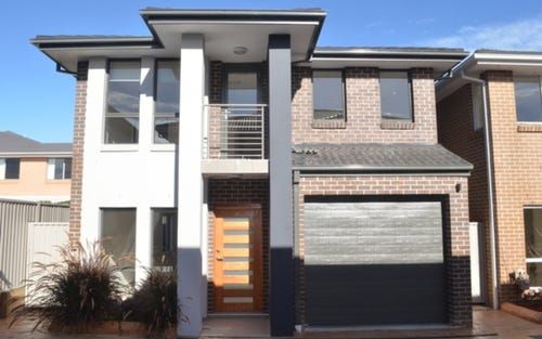24/10 Old Glenfield Road, Casula NSW