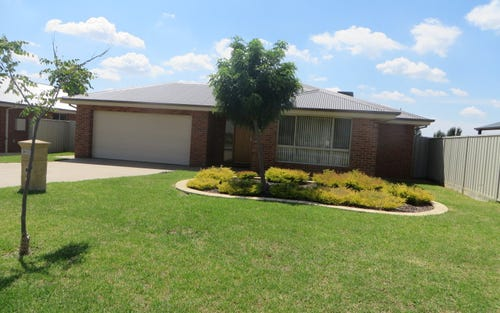 4 Pinnacle Place, Wagga Wagga NSW