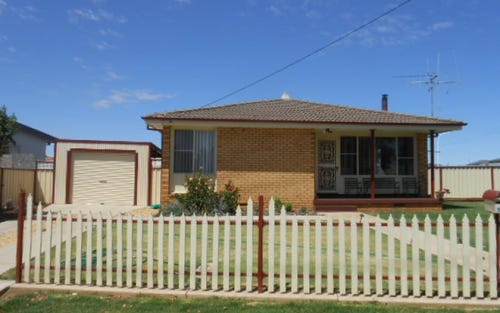 17 Best Street, Parkes NSW 2870