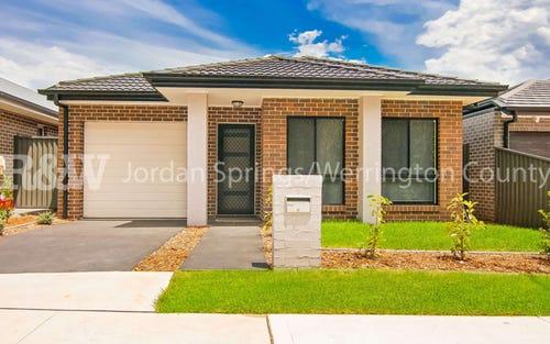 28 Izaac Circuit, Jordan Springs NSW