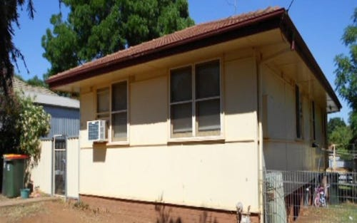 18 Fisher Street, Parkes NSW 2870