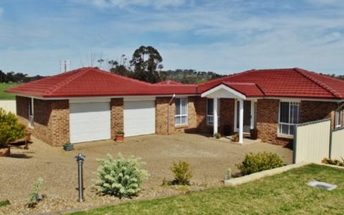61 Templemore Street, Young NSW 2594