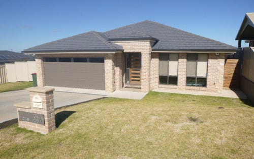 24 Rosewood Avenue, Parkes NSW 2870