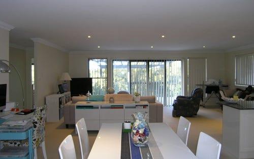 29/2 Adcock Avenue, West Gosford NSW 2250