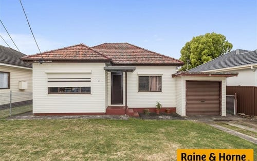 39 Ferngrove Rd, Canley Heights NSW 2166