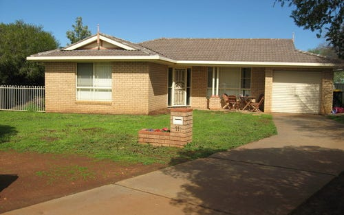 11 Thomas Tom Cres, Parkes NSW 2870