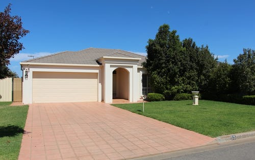 13 Little Road, Griffith NSW 2680