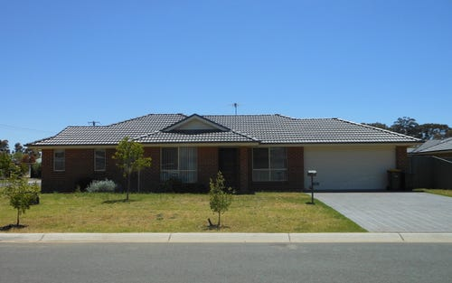 1 Garland Place, Young NSW