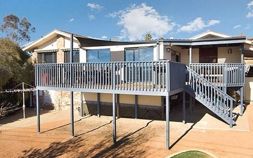 26 Mountain Circuit, Calwell ACT