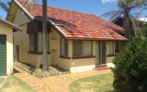 3 Beeston Road, Stockton NSW 2295