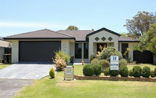 54 East Street, Tenterfield NSW 2372