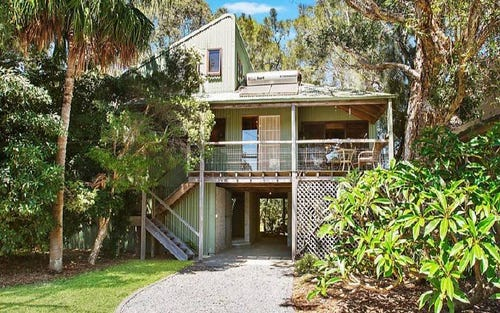29 Albatross Avenue, Hawks Nest NSW 2324